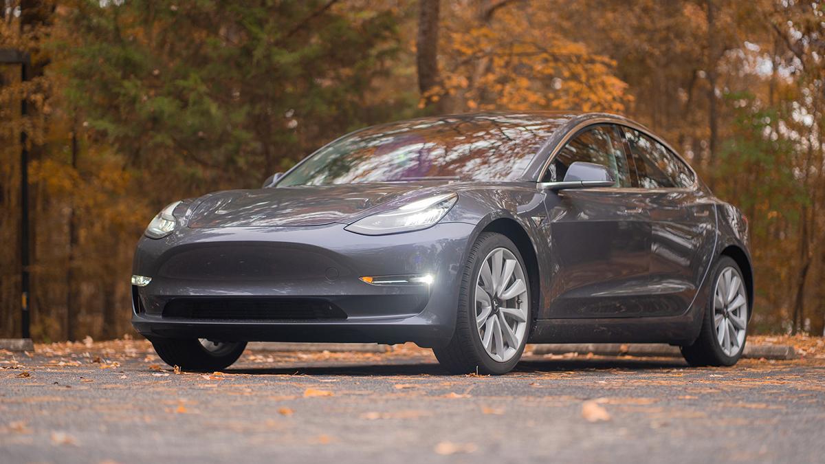 Tesla Model 3: arriva la batteria da 82 kWh