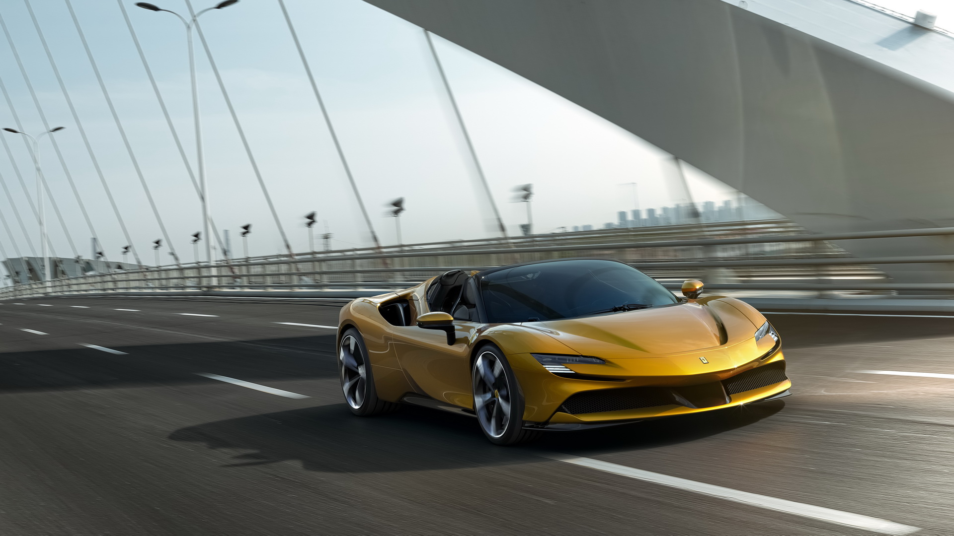 La nuova Ferrari SF90 Spider è stata svelata