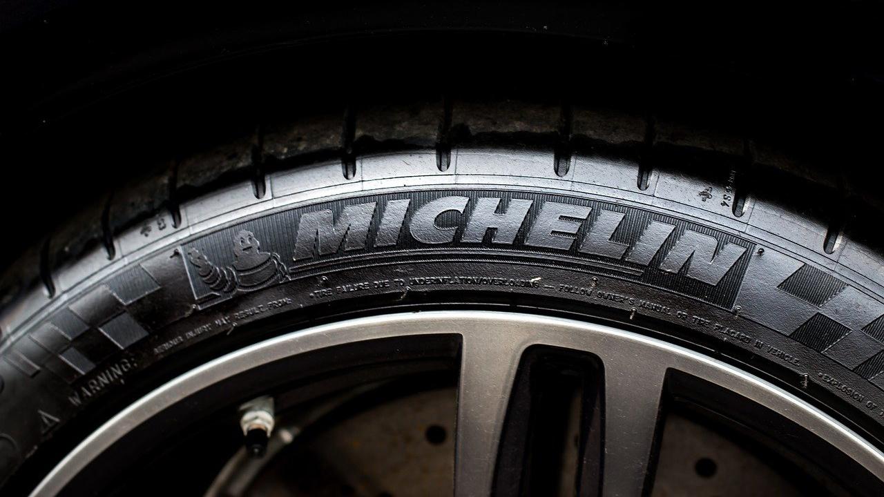 Michelin migliora l'autonomia delle auto elettriche con uno pneumatico