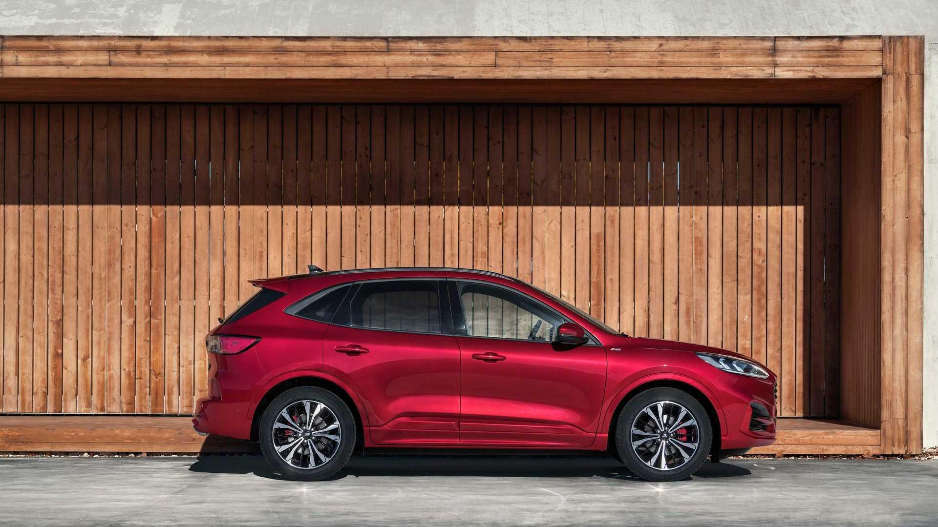 Ford Kuga: arriva l'ibrido da 1000 km di autonomia