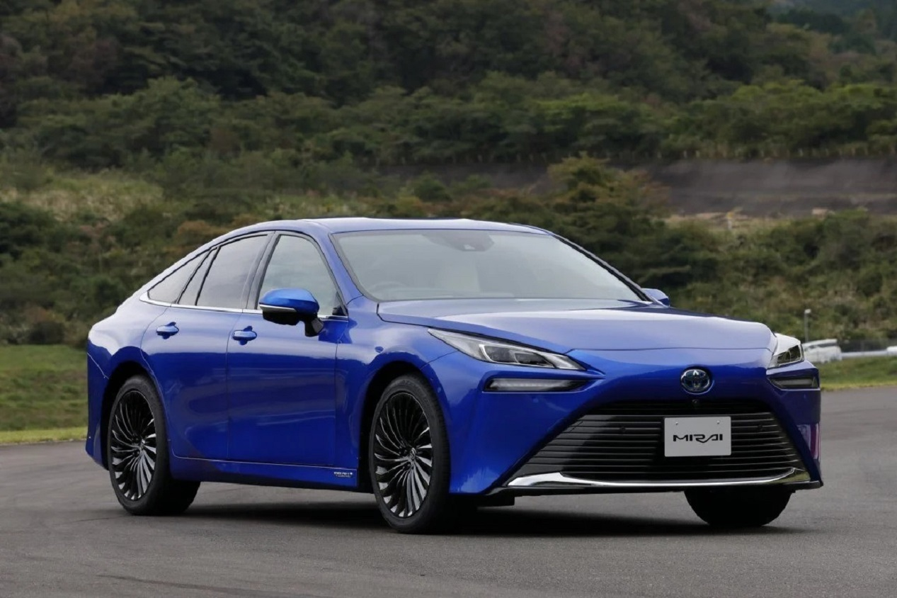Debutta la nuova Toyota Mirai