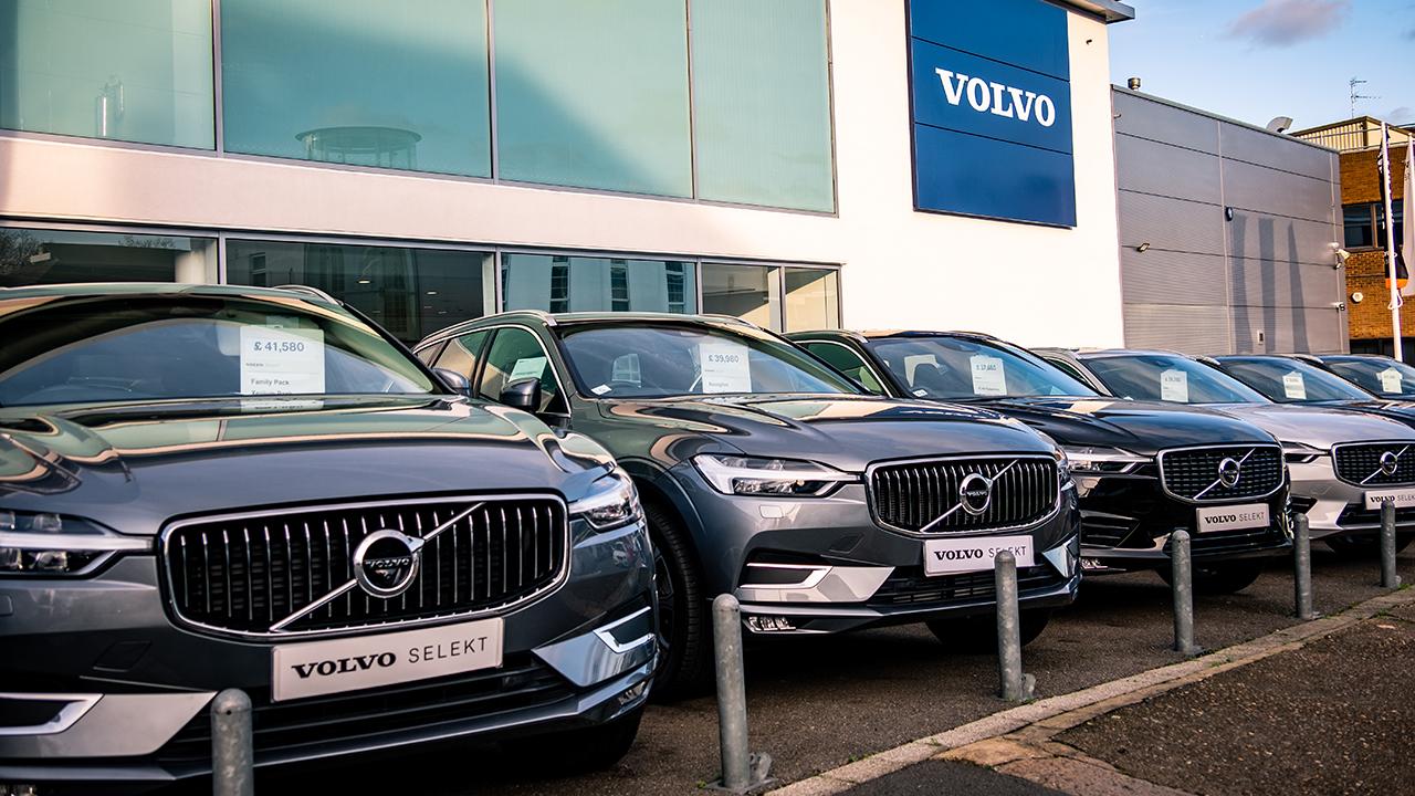 Volvo dal 2030 venderà solo auto elettriche