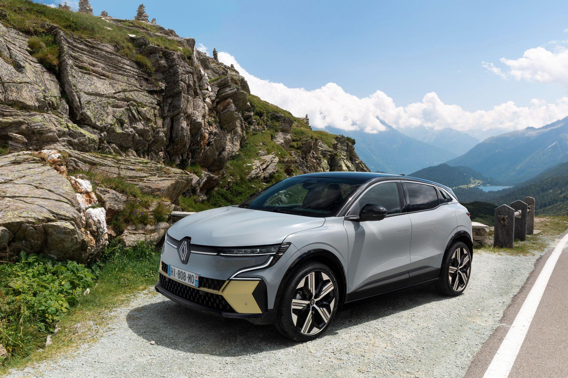 Tutto sulla nuova Renault Megane E-Tech Electric, il SUV elettrico coupé