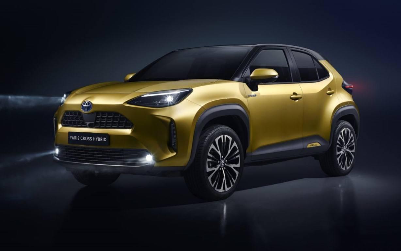 Toyota Yaris Cross: prime immagini ufficiali del B-SUV