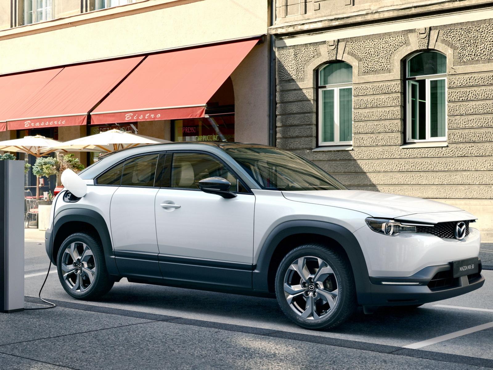 Mazda inizia la produzione del suo primo EV