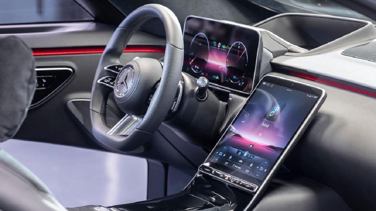 Svelato l'interno della nuova Mercedes Classe S