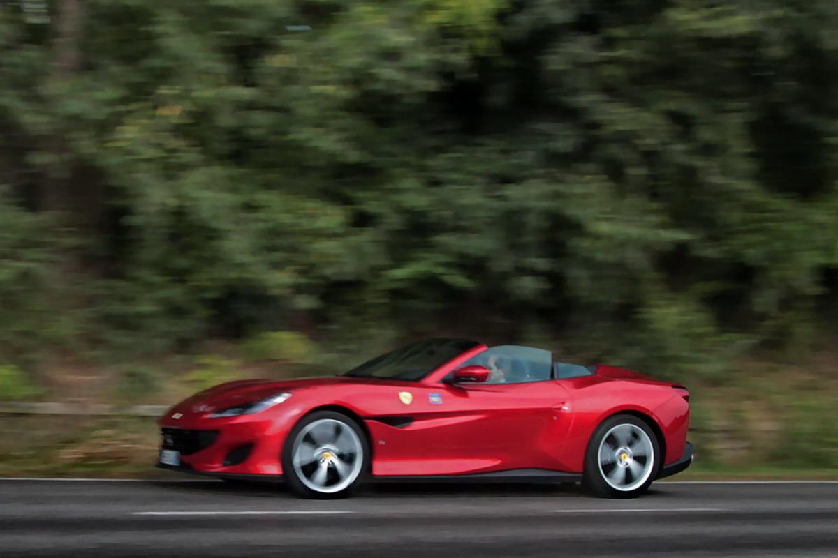 Ferrari lavora su una nuova supercar