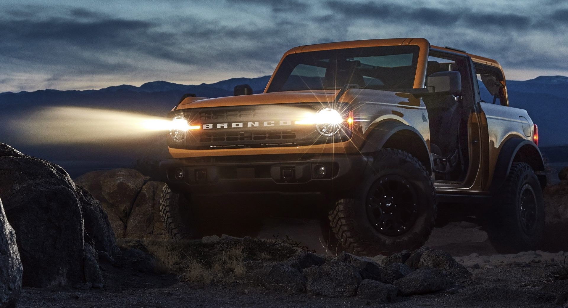 Nuovo Ford Bronco: prime immagini ufficiali