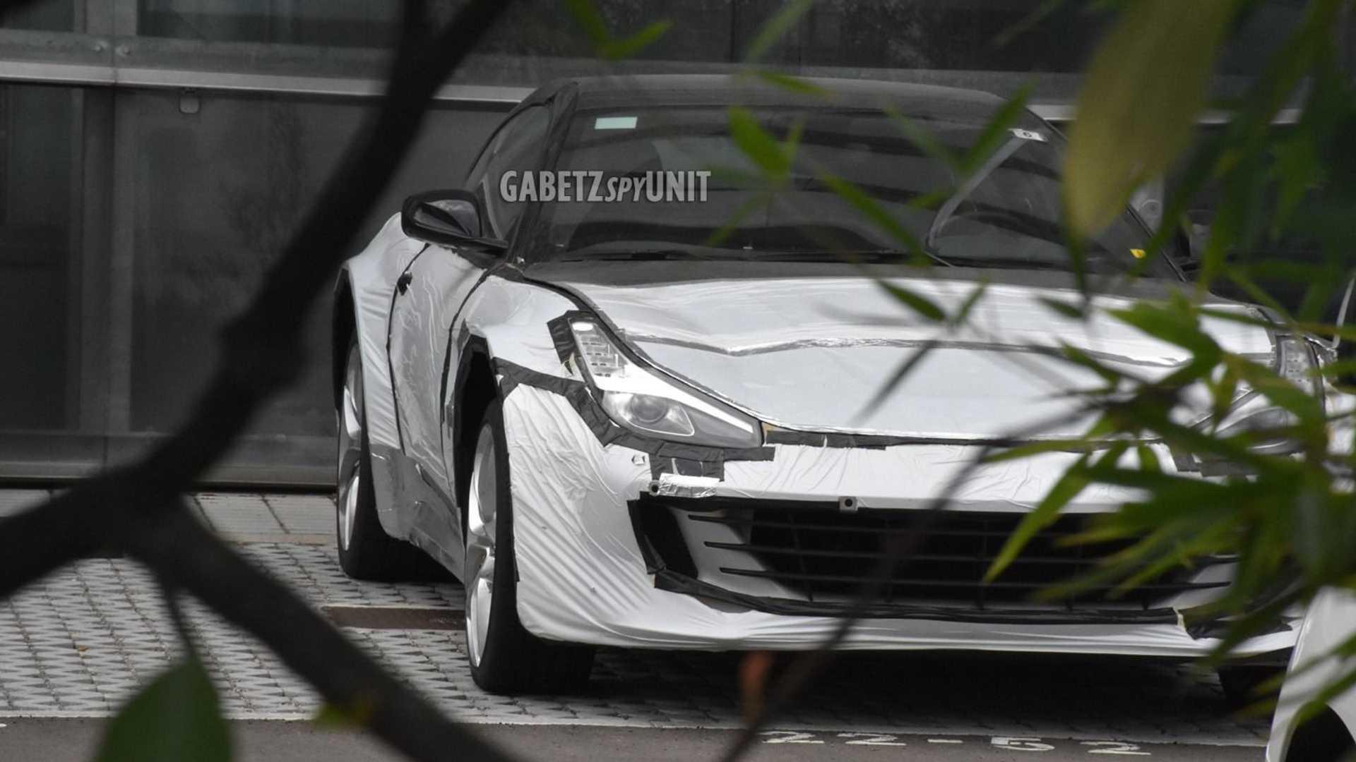 Ferrari Purosangue: prime foto spia del nuovo SUV