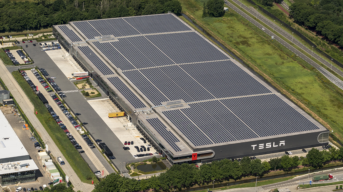 Tesla licenzia 'Mister Gigafactory'