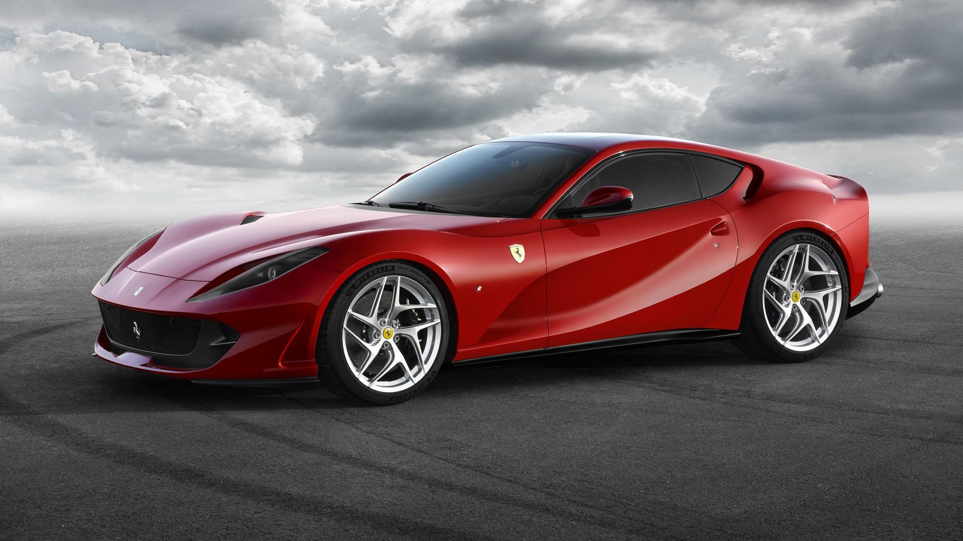 Il lunotto della Ferrari 812 Superfast potrebbe volare via
