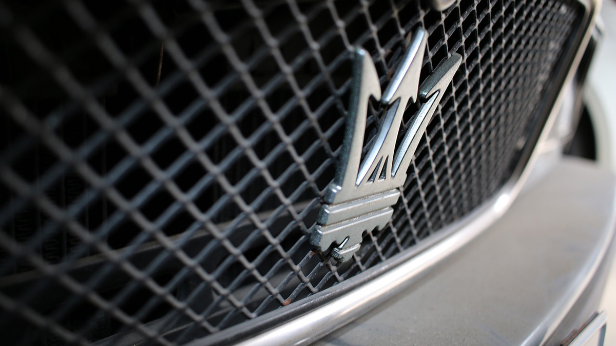 Maserati rinuncia agli ibridi plug-in