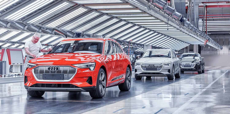 Audi e-tron in difficoltà: produzione tagliata?