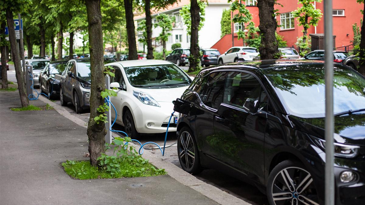 Le auto elettrificate hanno superato i diesel in Europa