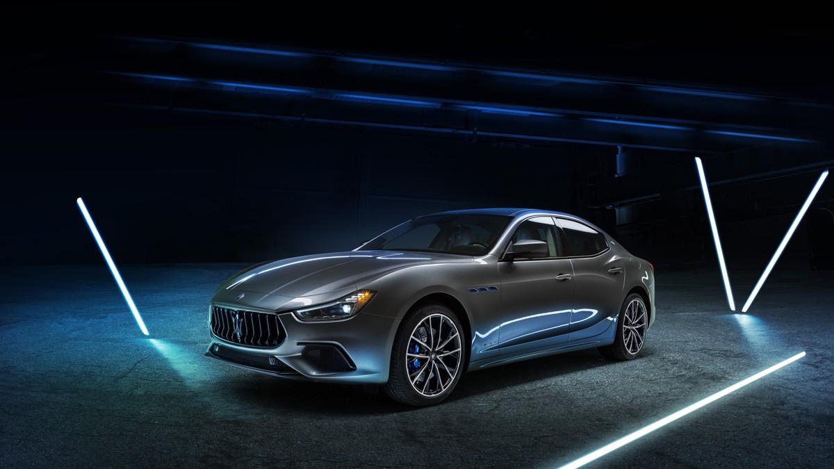 Maserati toglie i veli alla Ghibli Hybrid