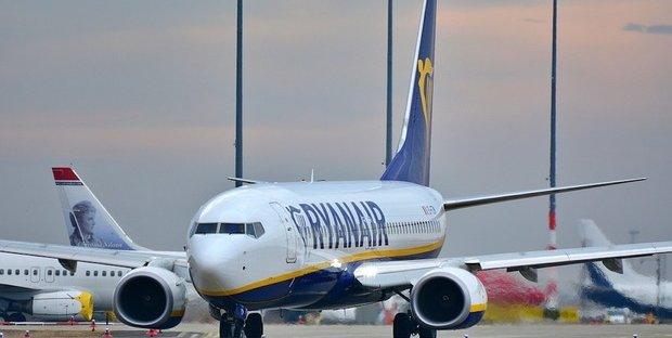 Due casi sospetti di Covid sul volo Londra-Pisa