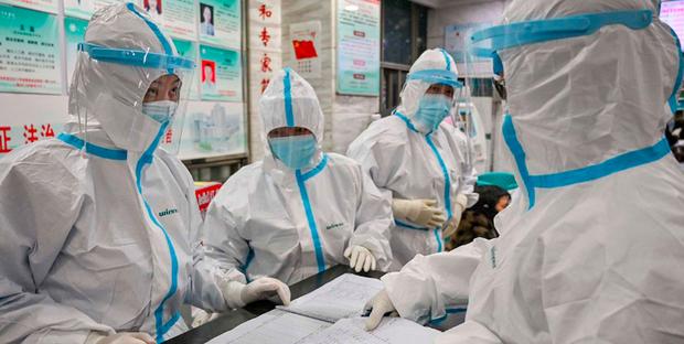 coronavirus creato in laboratorio per guerra chimica? spunta uno studio