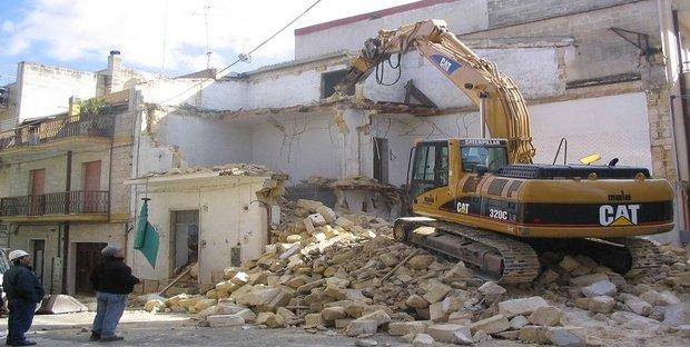 Il Sismabonus spetta anche a chi demolisce e ricostruisce casa