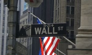 Analisi indici: Wall Street accusa i dazi di Trump, reazione scomposta del Dow Jones Industrial