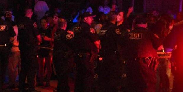 USA, polizia spara a un altro afroamericano: condizioni critiche