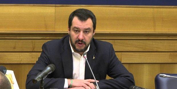 Salvini scrive una lista dei giudici pro-migranti: ecco nomi e cognomi