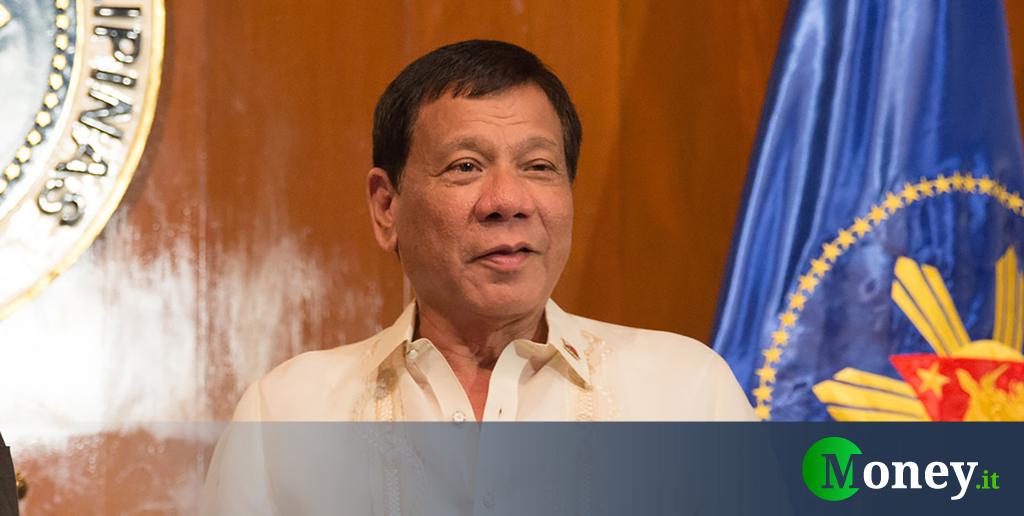 "Filippine, Duterte ai soldati: ""Uccidete chi viola la quarantena"""