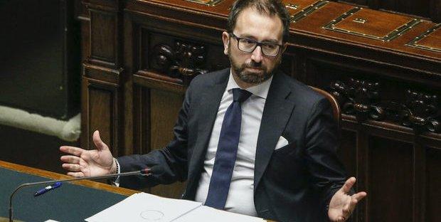Sfiducia a Bonafede: c'è un piano per far cadere il governo? L'allarme del PD