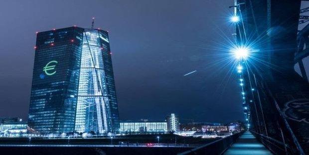 BCE: Draghi blinda la politica monetaria per altri cinque anni