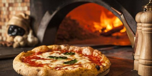 Quanto costa una pizza? Le differenze in Italia