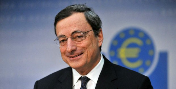 Draghi, finale col botto: torna il quantitative easing per rilanciare l'Eurozona