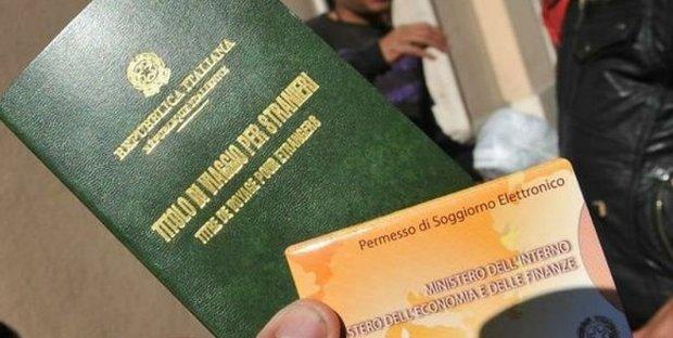 Si può viaggiare con la ricevuta di permesso di soggiorno?