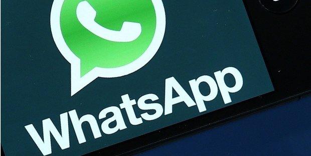 WhatsApp ora ti segnala i messaggi inoltrati