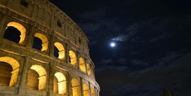 Roma, coprifuoco dalle 21 nelle zone della movida e multe fino a 1.000 euro