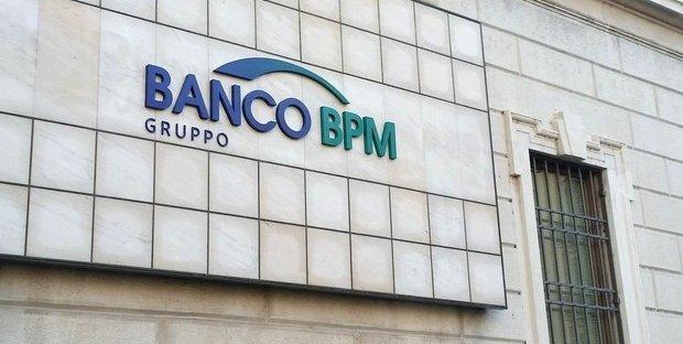 BPM raddoppia gli utili, ma il titolo scende in Borsa