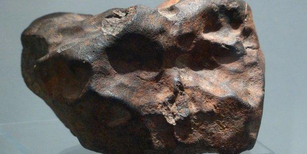 Un meteorite gli sfondò la casa: indonesiano diventa milionario