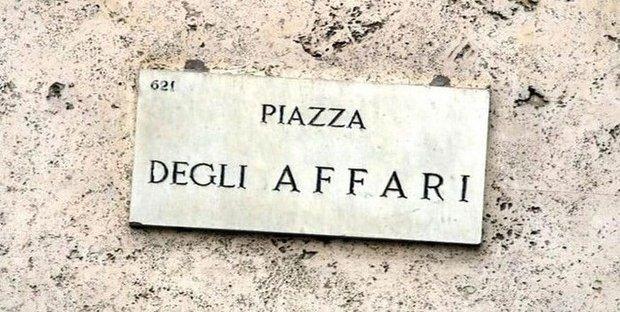 Borsa: Milano giù (-0,2%), risale spread
