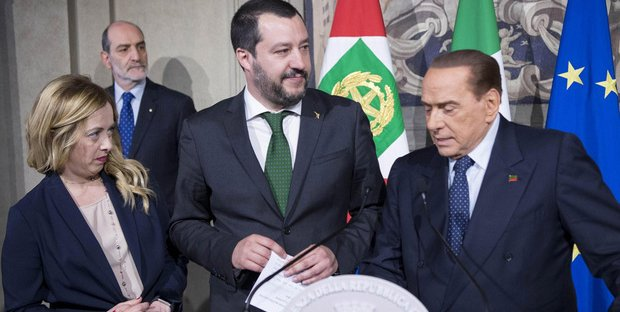 Altro che federazione. Berlusconi etichetta Salvini e Meloni come estremisti