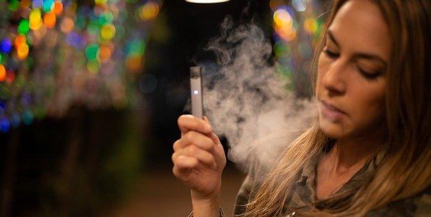 Sigarette elettroniche, Iss dirama allerta di grado 2