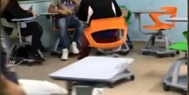 Autoscontro con i banchi a rotelle: cosa c'è di vero nel video del primo giorno di scuola