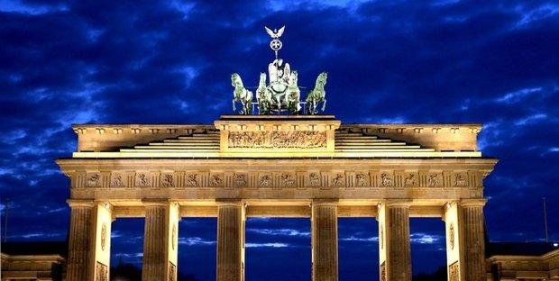 Merkel 'alla guida dell'Ue'. Inizia il semestre di presidenza tedesca