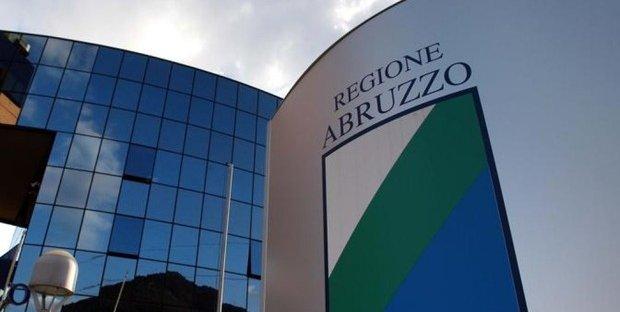 Elezioni regionali Abruzzo: candidati e sondaggi. Intrigo sulla data