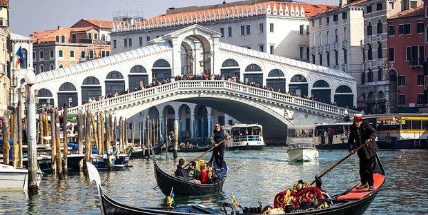 Biglietto d\'ingresso per visitare Venezia, lo stabilisce la Manovra