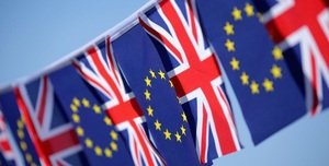 Brexit: accordo imminente, sterlina corre