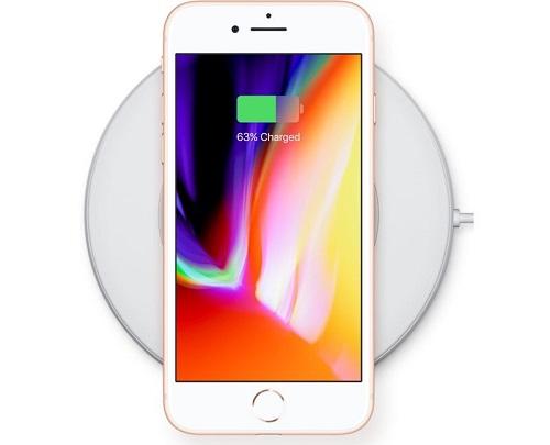 e91d53aa38c22f Con l'iPhone 8 c'è meno scelta di colori visto che è disponibile solo in 3  varianti (silver, space grey e blush gold) contro le 6 tonalità dell'iPhone  7 ...