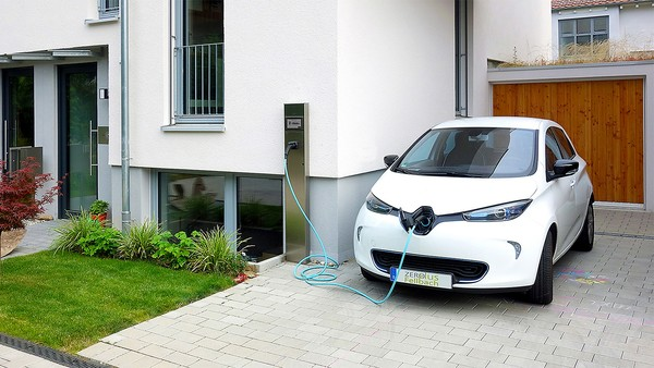 Toyota avrà una lineup totalmente elettrica entro il 2025
