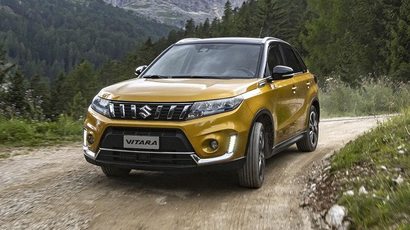 Suzuki Vitara Hybrid: foto, prezzi e caratteristiche del B-SUV ibrido