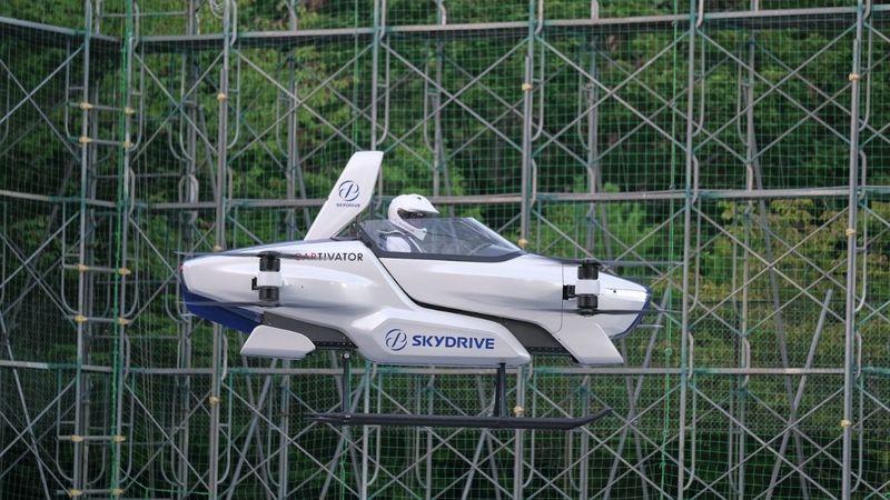 Auto volante: in Giappone il primo test drive con pilota - Video